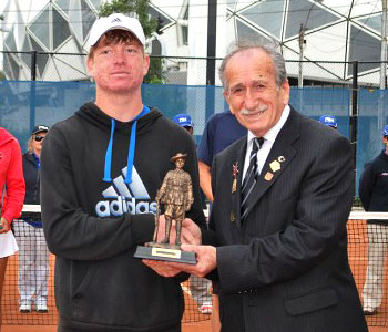 Gallipoli Youth Cup boys' champion Mitchell Pritchard (L) with Turgut Kacmaz, the son of the last Turkish veteran of Gallipoli; Tennis Australia